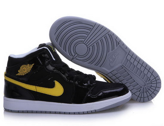 Air Jordan Retro 1 Black Yellow