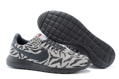 Nike Roshe Run Mens Shoes Gray Black Special New Zealand