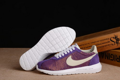Nike Roshe Run Womenss Shoes Purple Rice White New Norway