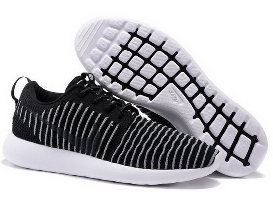 Nike Roshe Two Flyknit Mens & Womens (unisex) Black Grey Closeout