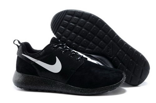 Nike Rosherun Snakeskin Mens Shoes Black White Hot Inexpensive