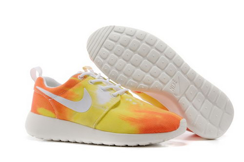Nike Wmns Roshe Run Shoes Sunset Yellow Poland